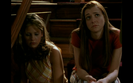 Buffy and Willow grieve